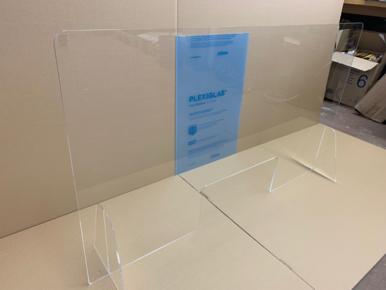 Virenschutz: Tischaufsteller Plexiglas